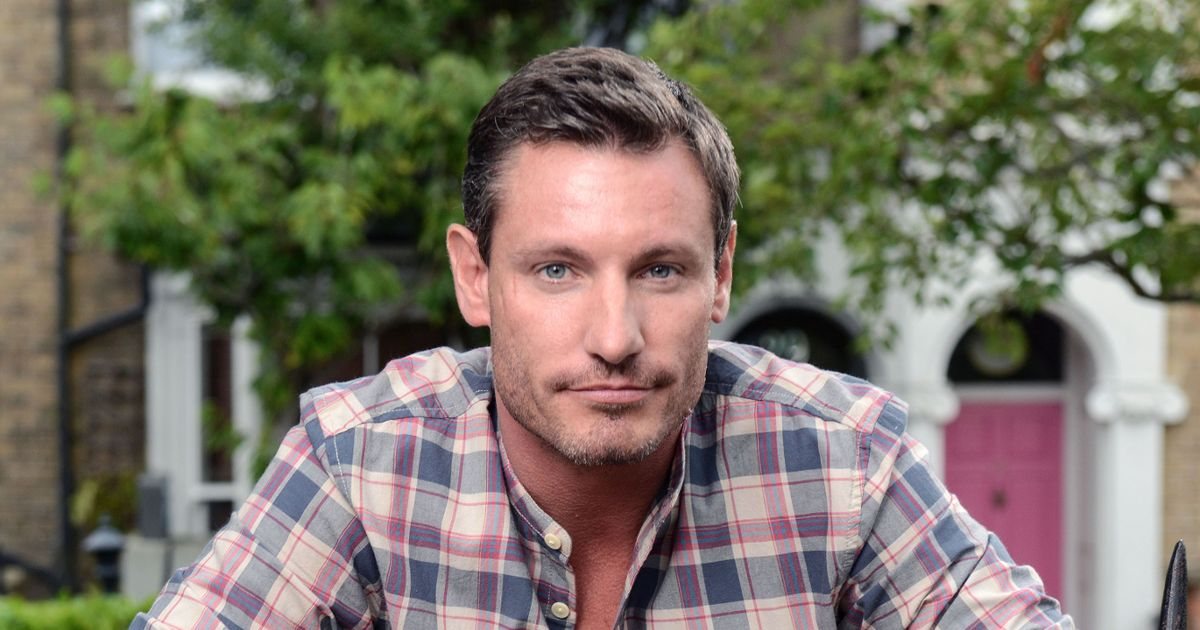 EastEnders reveals Dean Gaffney's return date – and Robbie isn't coming alone