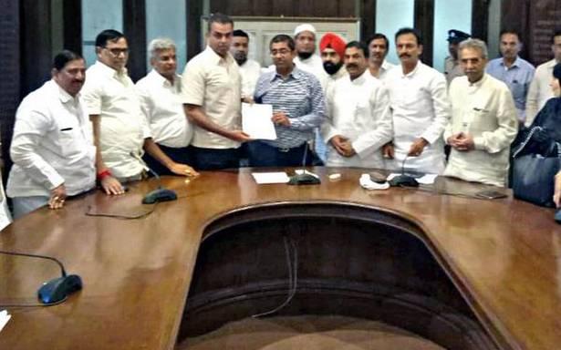 Deora meets BMC Commissioner over water tanker mafia, desilting