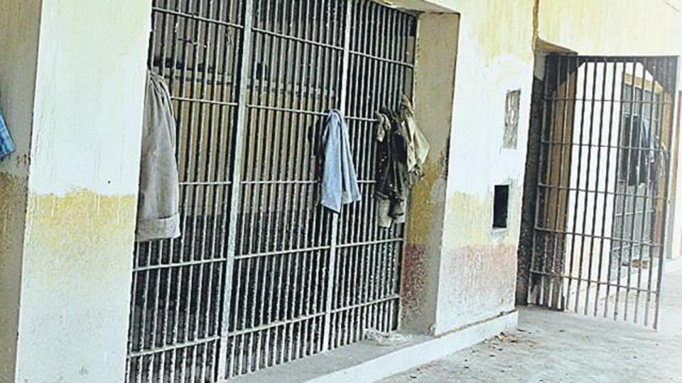 Gujrat: Chain snatchers to face 10 yrs in jail