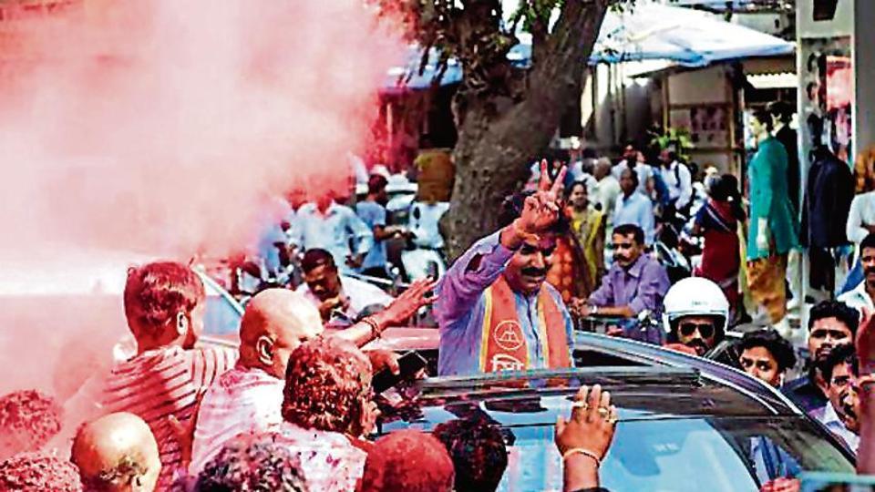 In Lok Sabha polls, Sena protects turf in Mumbai