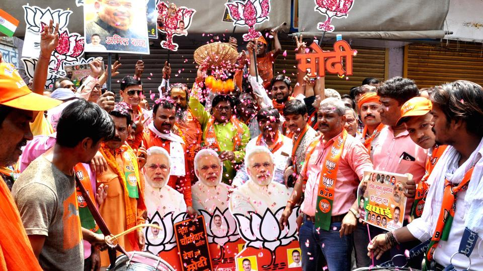 After handing out a massive win, bedecked Varanasi waits to welcome PM Modi