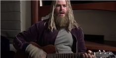 Here's Chris Hemsworth Singing Johnny Cash as Fat Thor