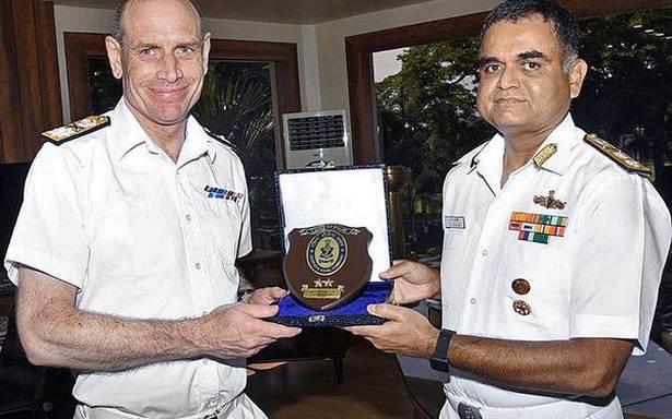 British Royal Navy Safety Centreteam visits SNC