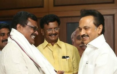 AMMK leader Thanga Tamilselvan joins DMK