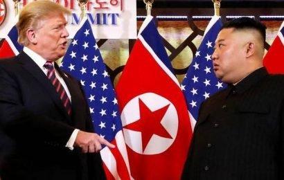 Donald Trump offers to meet Kim Jong Un at North-South Korea border this weekend