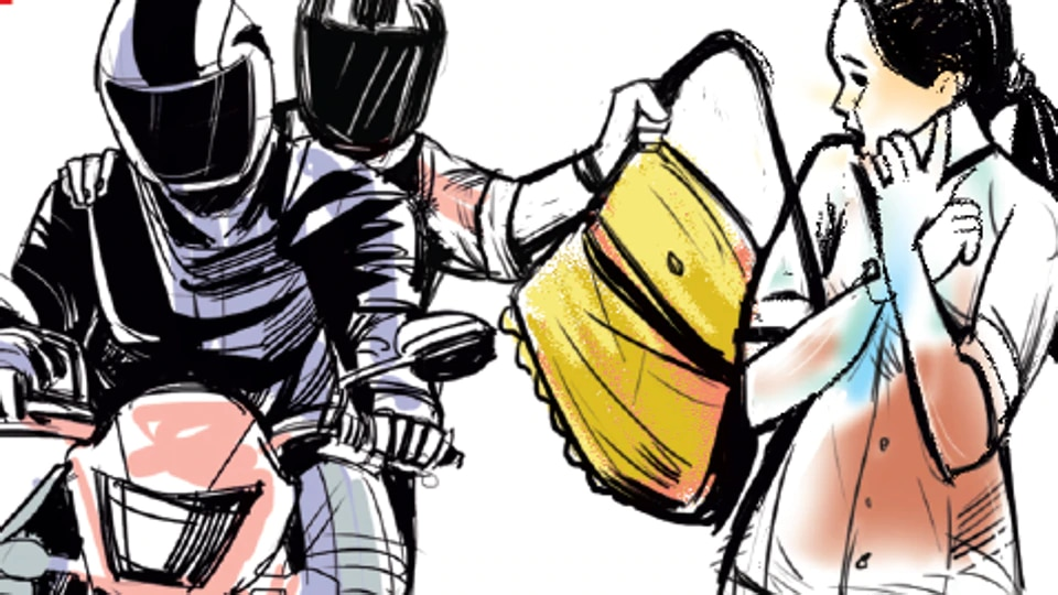 Two snatchers in suits strike early morning, flee with man's gold chain