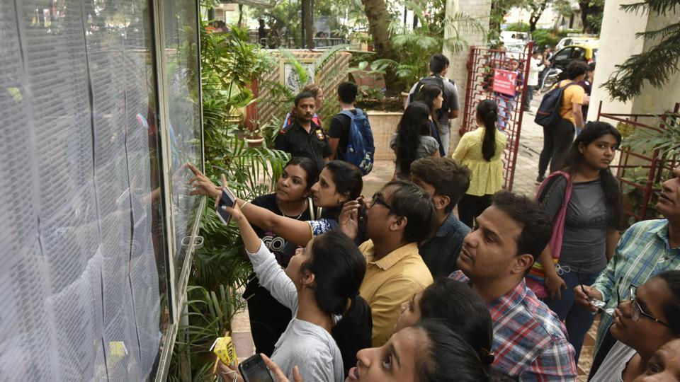 FYJC admissions in Mumbai: Students suffer due to education department's poor planning