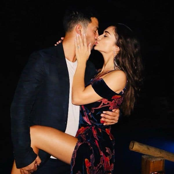Amy Jackson says fiance George Panayiotou is going to be an amazing dad with a kiss – view pic | Bollywood Life