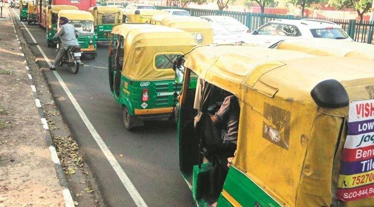 Delhi: Auto driver, accomplice rob man, then drop him to his destination