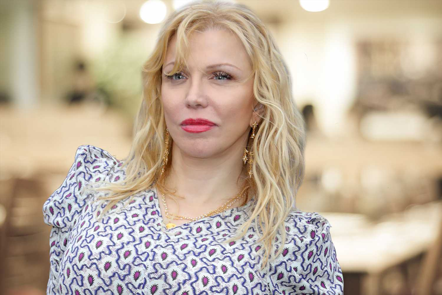 Courtney Love accused of shocking restaurant patrons with her pet etiquette