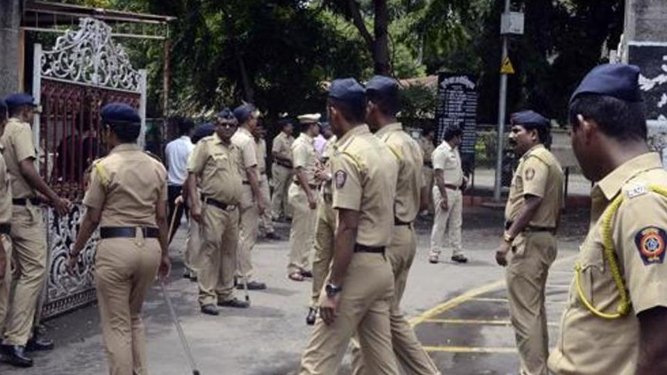 Mob beats man accused of raping minor to death
