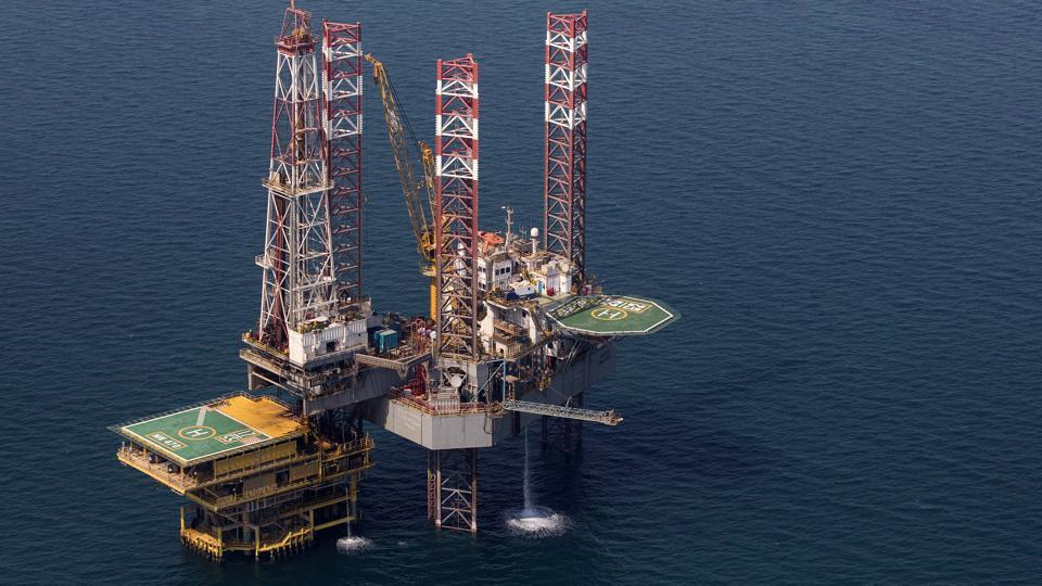Oil prices drop as recession risk overshadow Saudi Arabia market stability