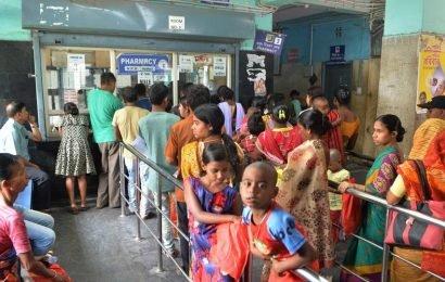 Hindu Rao Hospital doctors threaten strike over attack | cities | Hindustan Times