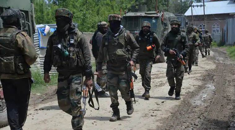 Grenade hurled near police station in Pulwama, several civilians injured