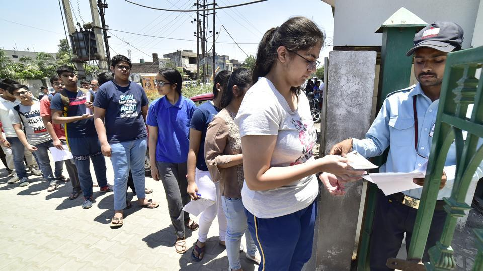 JEE (Advanced) answer key 2019 released, raise objections before 5pm tomorrow