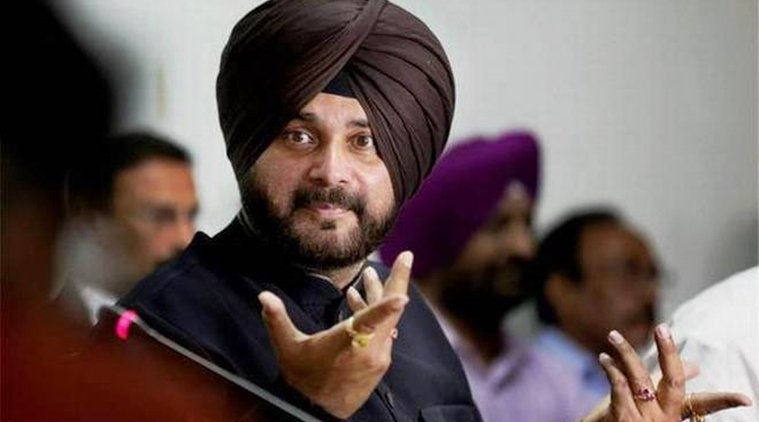 Amarinder forms 8 consultative groups, leaves out Sidhu but names his aide in one