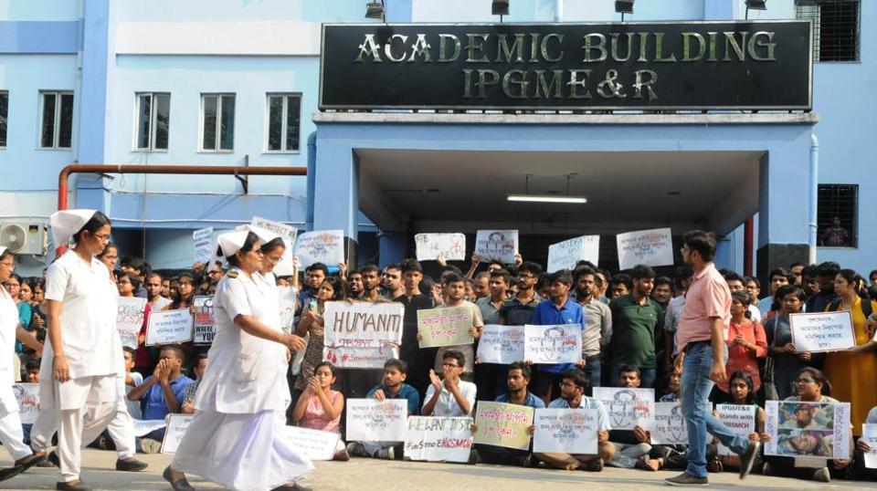 Patients bear brunt as junior doctors continue stir in West Bengal