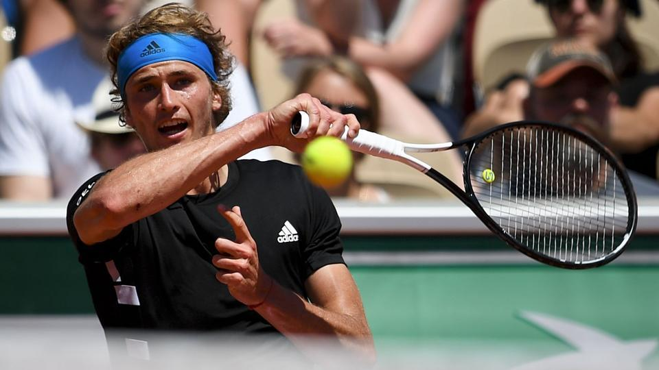 Alexander Zverev through to French Open fourth round after another five-setter