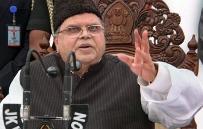 Kill those who have looted Kashmir: J-K governor