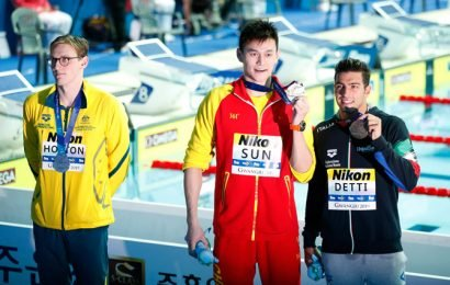 Horton hailed for podium protest at Swimming Worlds