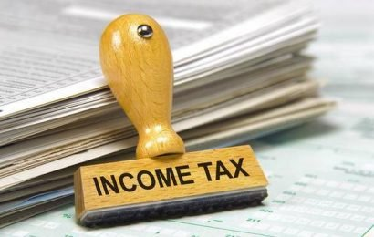 Government extends deadline for filing taxes to August 31