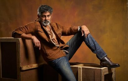 Run-time of his role forces Jagapathi Babu to walk out from Sarileru Nikevvaru?