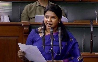Kanimozhi slams govt for employing manual scavengers in Railways