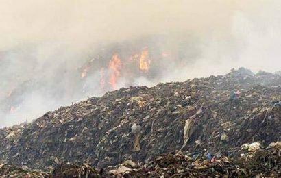 Fire breaks out at Ariyamangalam dump, again