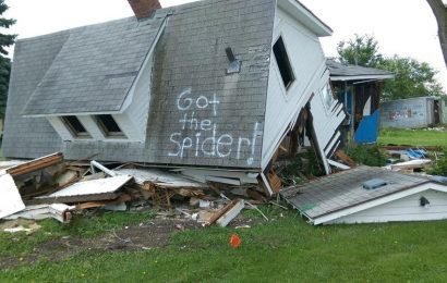 'Got the Spider!' joke written on demolished house tickle people's funny bone