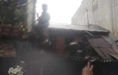 Family of six rescued from house wall collapse in Cantonment, Pune
