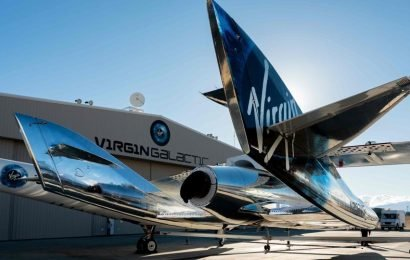 Space-tourism biz Virgin Galactic going public after merger