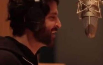 This BTS video shows how Hrithik Roshan perfected his vocals for Super 30's Question Mark song | Bollywood Life