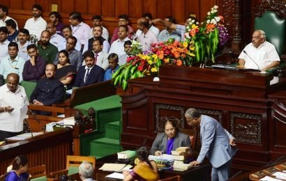 Karnataka trust vote debate to continue on Monday, announces Speaker; BJP calls it 'gross injustice'