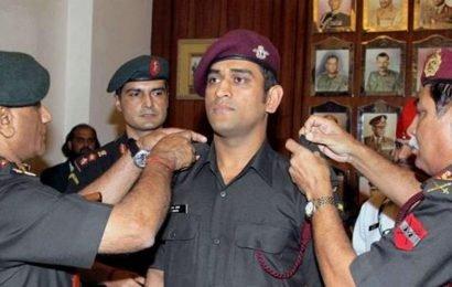 MS Dhoni army training:David Lloyd's cheeky Twitter post leaves fans fuming