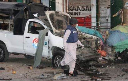 Pakistan: 5 killed, 38 injured in blast targeting police vehicle