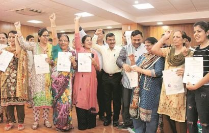 'July 26 will remain a happy memory': Thirty Pakistani immigrants get Indian citizenship