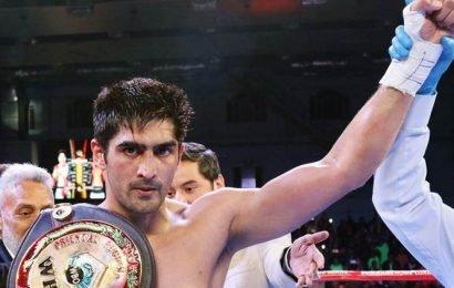 Vijender Singh wins comeback bout
