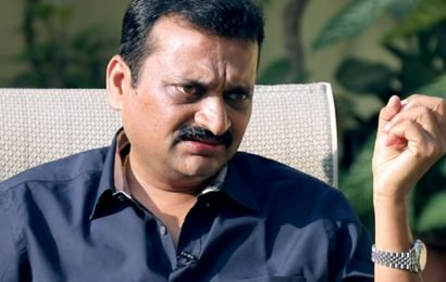 Bandla Turns Blade Ganesh For Sarileru Neekevvaru