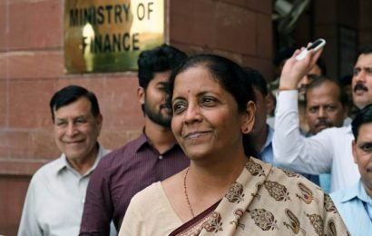 Govt set to meet FPIs, industry, MSME players to revive growth