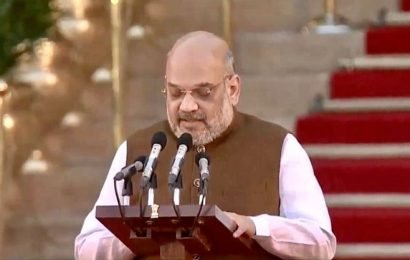 Amit Shah: Congress bifurcated the United AP by shutting doors and blocking telecast!!