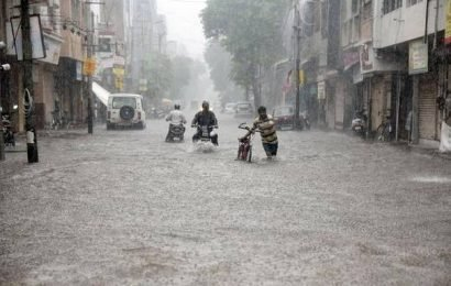 Vadodara flooded, people evacuated from low-lying areas