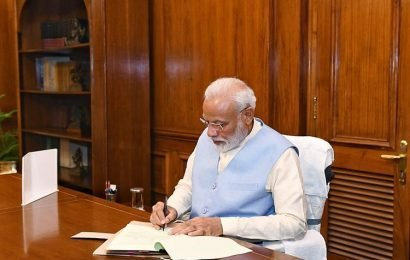 J & K issue: PM calls Chief Ministers of all the states
