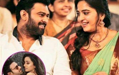 हुआ खुलासा! Prabha कथित गर्लफ्रेंड Anushka Shetty के लिए फिल्म 'Saaho' की स्पेशल स्क्रीनिंग | Bollywood Life हिंदी