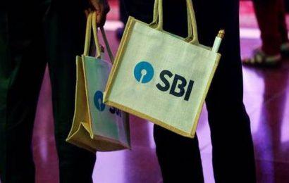 SBI cuts FD, bulk deposit rates