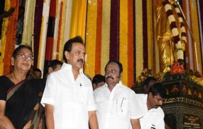 Centre dividing States, State carving up districts: Stalin
