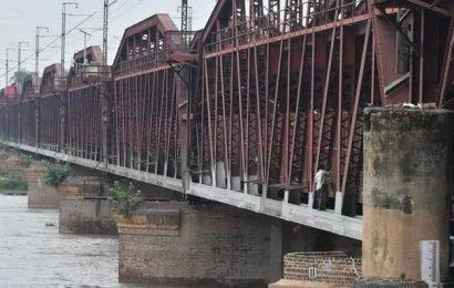 Flood alert for Delhi as Yamuna nears warning level