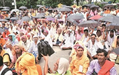 TMC promises stipends, houses, health insurance to Brahmin priests