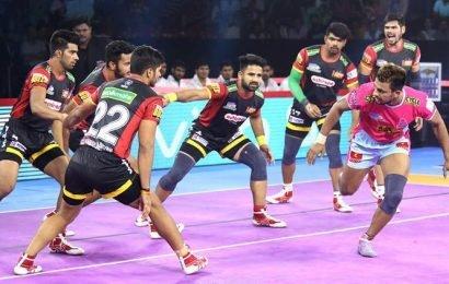 Pro Kabaddi: Bulls beat league leaders Pink Panthers, Delhi win against Yoddhas