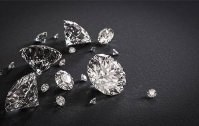 Aid from the US for laid-off diamond polishers of Surat