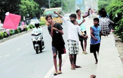Delhi: Man riding scooter injured by manjha